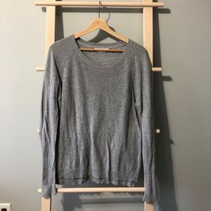 Everlane grey top